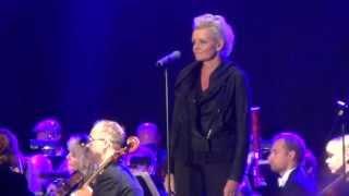 Eva Dahlgren 'Ängeln i rummet' live på Anna Lindhs minneskonsert i Kungsträdgården. 20130911