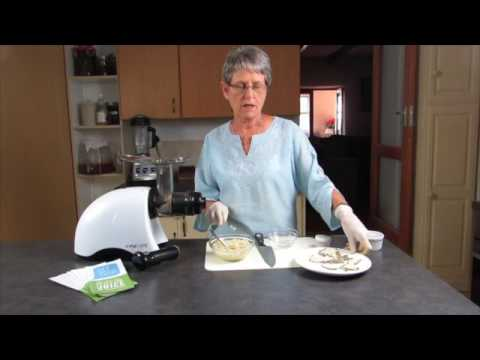 Making Nut Butter with the Oscar Juicer - Classic model
