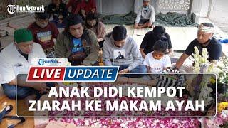 LIVE UPDATE 100 Hari Meninggalnya Didi Kempot, sang Anak Staso Prasetyo Ziarah ke Makam Ayahanda