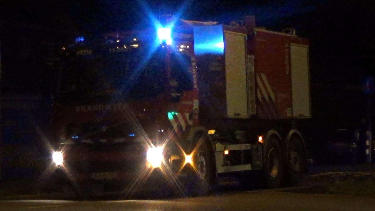 Hulpdiensten rukken massaal uit voor een Grote brand in Wormerveer!