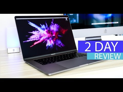 New 2018 MacBook Pro 15″ Review – True Tone, Benchmark & Keyboard Test