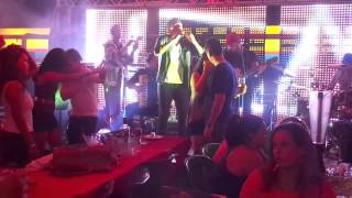 preview picture of video 'Wandey Santos - É Tenso (Live in Flamingo)'