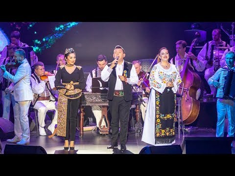 Andra & Sandel & Aurora – Ma mandresc ca sunt roman [Concert Traditional] Video