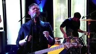 Everything Everything - Kemosabe (Worst Performance Ever) - Shreds