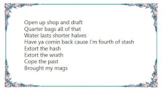 Chingy - He's Herre Lyrics