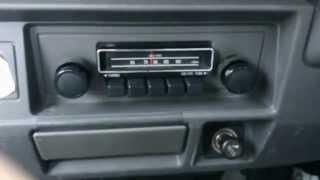 平成2年式スズキキャリー純正押し釦式AMラジオ