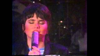 "Linda Ronstadt - ""Hurt So Bad"" (Official Music Video)"