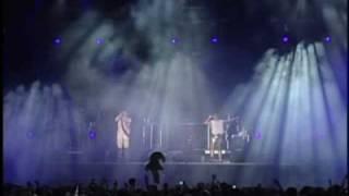 """Basement Jaxx - """"Raindrops"""" Live"""