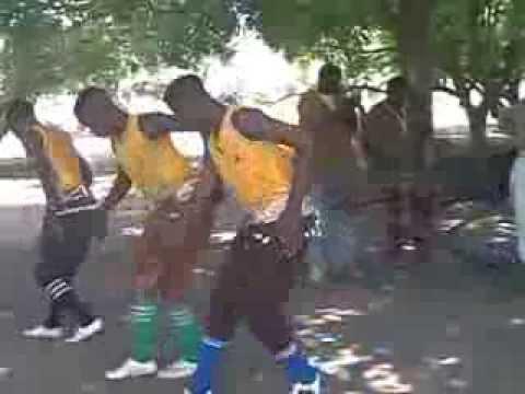 7 Danseur Senoufo de Koloko au festival de Balafon Kenédougou Burkina Faso