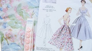 1950s Floral Dress : Following V2960 : Pattern Review & Vlog
