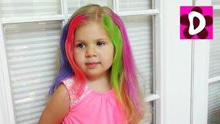 Красим Диане Волосы в разные Цвета Играем в Салон Красоты Видео для Детей Diana Play beauty Salon