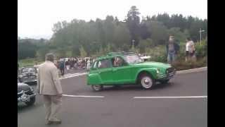 preview picture of video 'Maulevrier - Défilé de véhicules anciens'