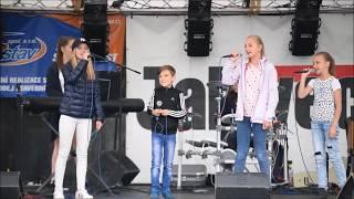 Video DOCELA kapela - sestřih vybraného repertoáru