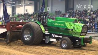 preview picture of video 'Dschinni Evolution Crash @  Riesa 06.04.2014 Tractor Pulling'