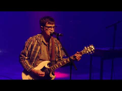Weezer - Hash Pipe - live at Ancienne Belgique - Brussels 2017-10-18 (4K)