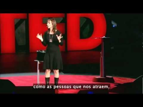 A autora expondo sua tese O poder dos Quietos na Conferencia TED