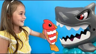 НОВЫЙ ЧЕЛЛЕНДЖ с безумной акулой от World Toys TV / видео для детей / Арина играет с мамой