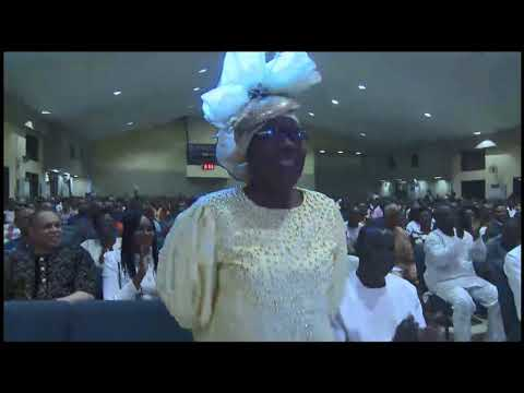 Bishop Oyedepo Introduces Evang. Bola Are @ Special Praise Night  October 20,  2017