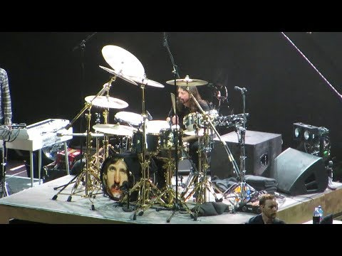 Dave Grohl Drumming Drum Solo