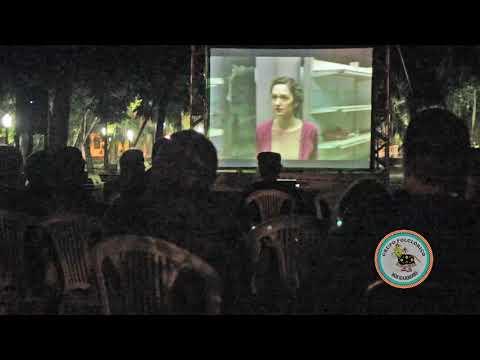 Cinema na praça em Antonina, participação do Boi Barroso. Realização Jekiti Cultural.