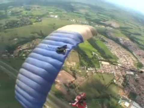 Freefly em Boituva - Paraquedismo - www.mergulhonoceu.com.br