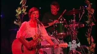 Angus & Julia Stone - Tubthumping (Chumbawumba) (Live in Sydney) | Moshcam