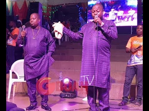 Adegbodu Twins Storms On Stage In Style,As They Got People Seriously Dancing With Their Performance