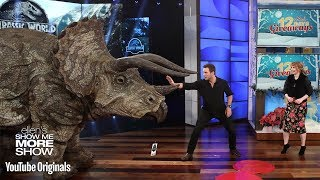 Chris Pratt and Bryce Dallas Howard Give the Audience a Big Surprise - Video Youtube