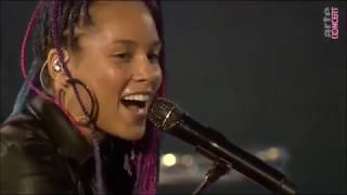 Alicia Keys - Unbreakable Live