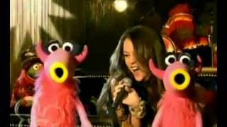 Miley Cyrus Singing G.N.O With The Muppets On Disney Channel