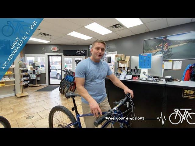 Видео Велосипед Giant XTC Advanced SL 29 1 (Chameleon Neptune/Candy Navy/Chrome)