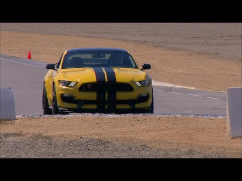 New Ford Shelby GT350 Shows Racetrack Prowess