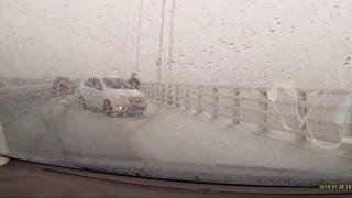 ドライブレコーダー 豪雪時の高速道路、恐怖の二次事故(((( ;゚Д゚)))))