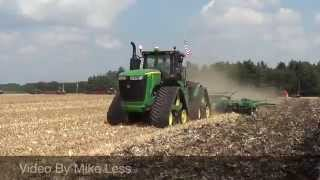 John Deere 9620RX pulling a Chisel Plow at the 2015 Farm Progress Show