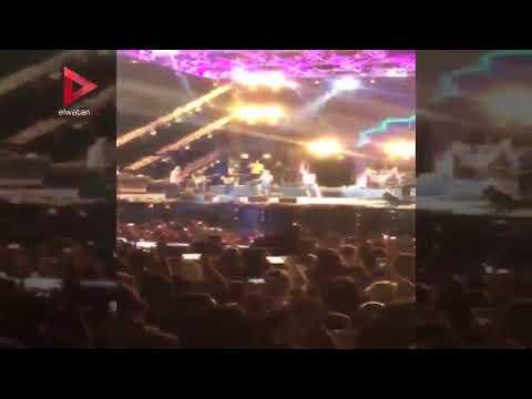 عمرو دياب يختتم حفل الغردقة بأغنية