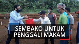 Bima Arya Berikan Paket Semangat kepada Penggali Makam Korban Corona di Bogor