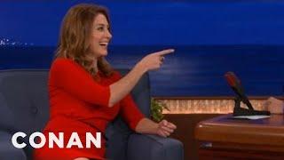 Conan - Sasha Alexander is a former fly girl (4 décembre 2012)