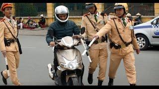 Làm gì khi bị cảnh sát giao thông bắt? - Chi tiết các bước khi bị CSGT yêu cầu dừng xe