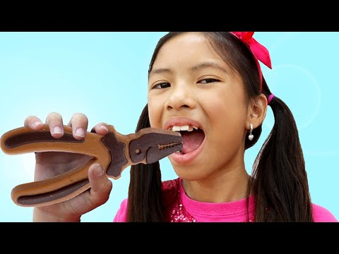 Wendy Chocolate Challenge Pretend Play with Toolbox Toys | Making Chocolate Food Kids Toys