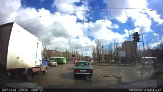 Грузовик снёс пассажирский ПАЗик в Воронеже