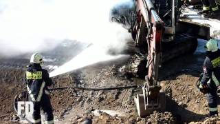 preview picture of video 'FF Miersdorf - Feuer Bagger - Kienberg - BBI Baustelle (LDS) - 07.04.2010'