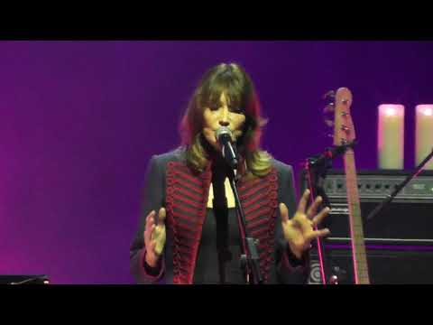 Carla Bruni - Tout Le Monde HD Live From Istanbul 2017