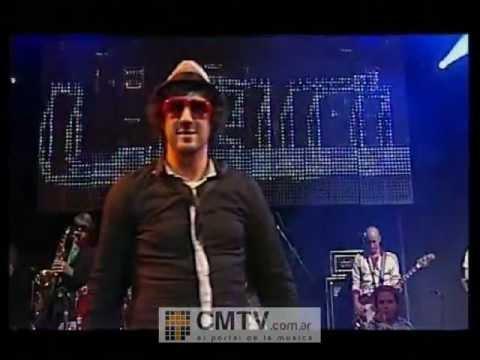 Los Auténticos Decadentes video Los piratas - CM Vivo 2009