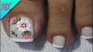 Diseno De Unas Para Pies Flor Blanco Y Negro Muy Facil Flowers