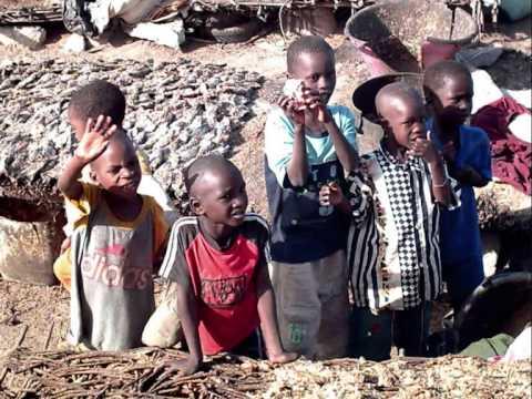 SENEGAL - M'BOUR : POISSONS, ENFANTS et POLLUTION [www.abadennou.fr]