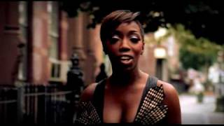 Wait A Minute - Estelle (Video)