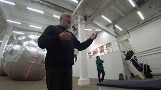 Фрагмент беседы художника Александра Корноухова и куратора Виталия Пацюкова накануне открытия «Выста
