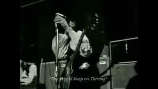 FLEETWOOD MAC - The World Keep On Turning (Lyrics)