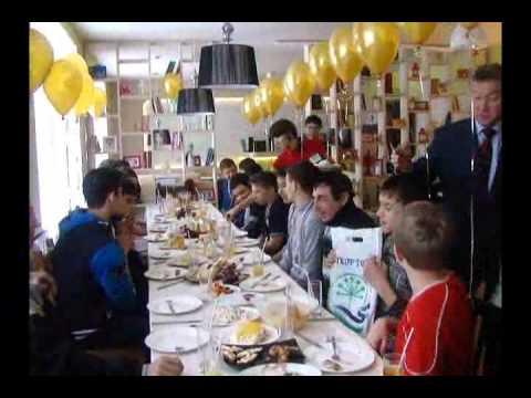 Хоккейная команда Олимп Бижбулякского района вернулась с бронзовыми медалями с финала Всероссийских соревнований юных хоккеистов клуба «Золотая шайба»