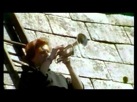 Alison Moyet  - Weak In The Presence Of Beauty (1987)